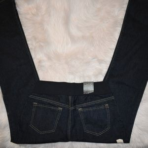 Maternity Low Rise Size 4 Regular NWT